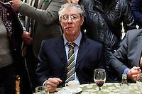 Vicenza:  Umberto Bossi fuma un sigaro durante il pranzo nella villa palladiana La Favorita per la presentazione del parlamento padano.