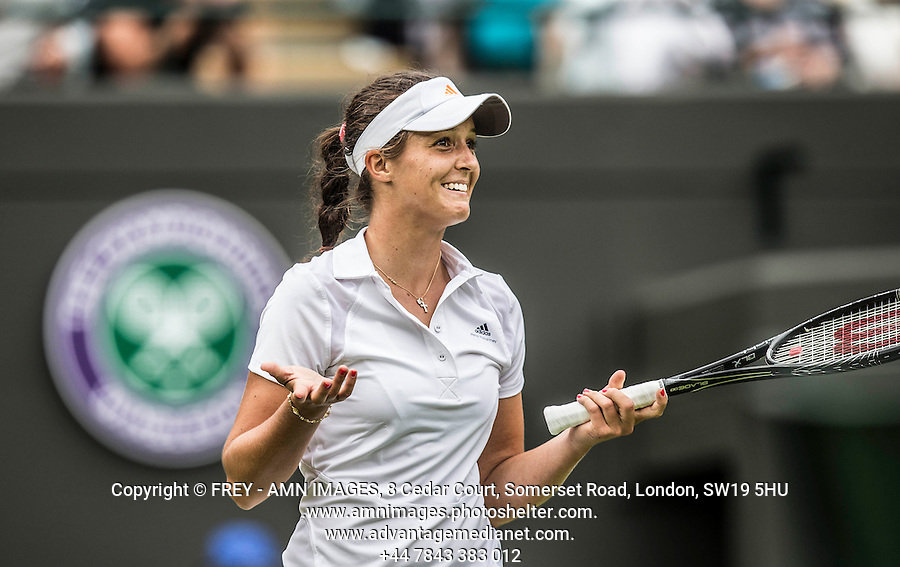 Laura Robson<br /> <br /> Tennis - The Championships Wimbledon  - Grand Slam -  All England Lawn Tennis Club  2013 -  Wimbledon - London - United Kingdom - Tuesday 25th June  2013. <br /> &copy; AMN Images, 8 Cedar Court, Somerset Road, London, SW19 5HU<br /> Tel - +44 7843383012<br /> mfrey@advantagemedianet.com<br /> www.amnimages.photoshelter.com<br /> www.advantagemedianet.com<br /> www.tennishead.net