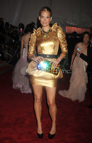 Molly Sims at 'The Model as Muse: Embodying Fashion' Costume Institute Gala at The Metropolitan Museum of Art in New York City. May 4, 2009. Credit: Dennis Van Tine/MediaPunch