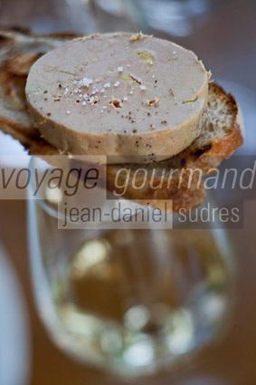 Europe/France/Aquitaine/33/Gironde/Médoc/Arsac:  Palet de foie gras - recette de Nathan Cretney - Restaurant: Le WY à  La  Winery