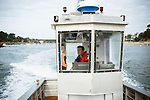 Gwen Pennarun, président d'une fédération de pêcheurs respectueux de l'environnement, à bord de son bateau de pêche (le beluga) près le port Sainte Marine (29)