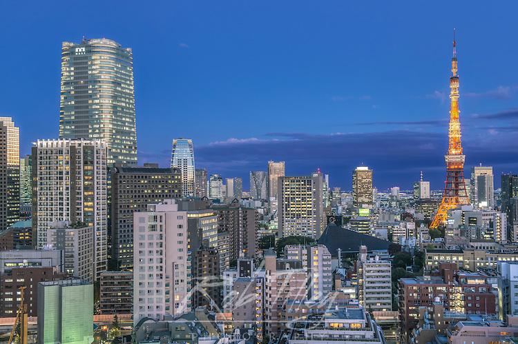 Japan, Tokyo, Roppongi, Twilight Skyline