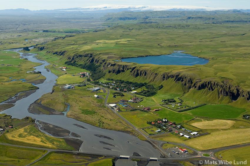 Kirkjubæjarklaustur séð til vesturs, Skaftárhreppur,  Mýrdalsjökull í baksýni. / Kirkjubaejarklaustur viewing west, Skaftarhreppur, Myrdalsjokull glacier in background.
