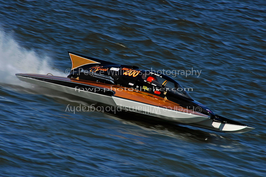 "Chuck Miller, Jr., NM-200 ""Mrjr's Lauterbach Special"", (National Mod class hydroplane) 2009 National Champion"