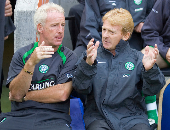 Tommy Burns and Gordon Strachan, Celtic.stock season 2005-2006.pic willie vass
