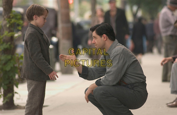RUSSELL CROWE & CONNOR PRICE.in Cinderella Man.*Editorial Use Only*.www.capitalpictures.com.sales@capitalpictures.com.Supplied by Capital Pictures.