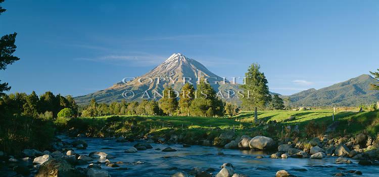 Mount Taranaki(Egmont). Taranaki Region. New Zealand.