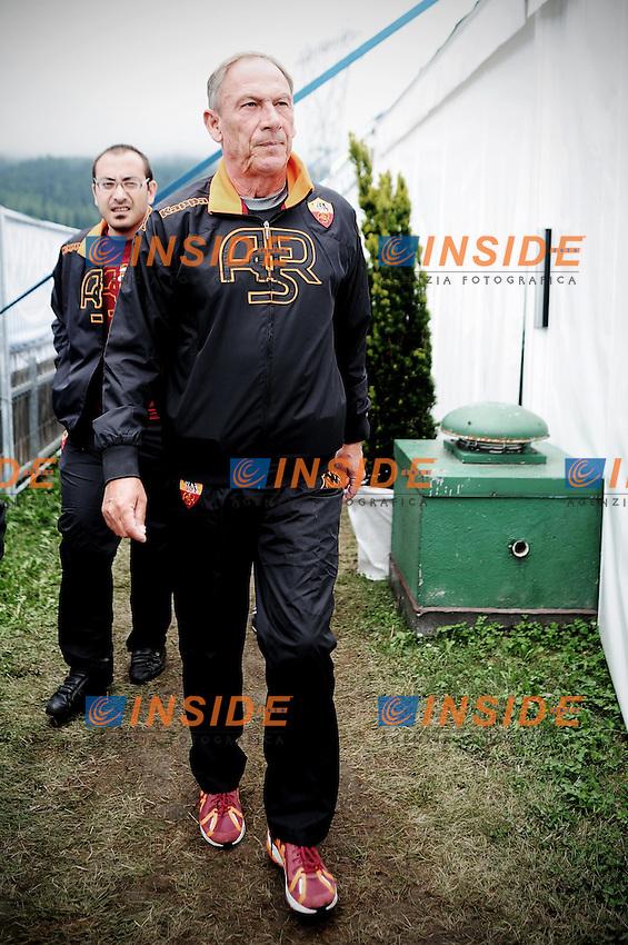 Zdenek Zeman gioca a biliardino, calcio balilla, nel villaggio della As Roma.Riscone di Brunico (BZ) 14/07/2012 .Football Calcio 2012/2013 .Foto Insidefoto Christian Mantuano