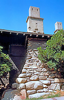 Greene & Greene: Cole House, 2 Westmoreland Place, Pasadena. Chimney detail.  Photo '84.