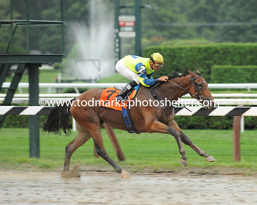 Marscaponi wins 9th race at Saratoga