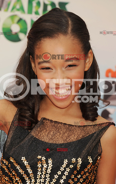 LOS ANGELES, CA - MARCH 31: Amandla Stenberg arrives at the 2012 Nickelodeon Kids' Choice Awards at Galen Center on March 31, 2012 in Los Angeles, California.