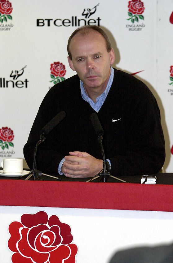 Picture : Greig Cowie.09/11/01.RFU Press Conference. Twickenham.Clive Woodward discusses his teams chances against the world champions tommorow.