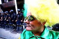 São Paulo,SP - 09.06.2014 -PROTESTO  DOS METROVIARIOS EM GREVE  - IMtroviarios de São Paulo se reuniram em frente a Secretaria de Transportes no centro da cidade de São Paulo nesta manhã de segunda feira(09) para exigir melhorias de salario - (Foto: Aloisio Mauricio / Brazil Photo Press)