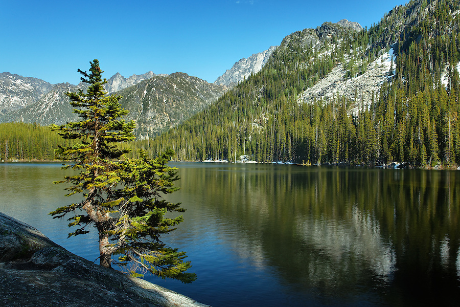 Lake Stuart, Alpine Lakes Wilderness, Wenatchee National Forest, near Leavenworth, Chelan County, Washington, USA