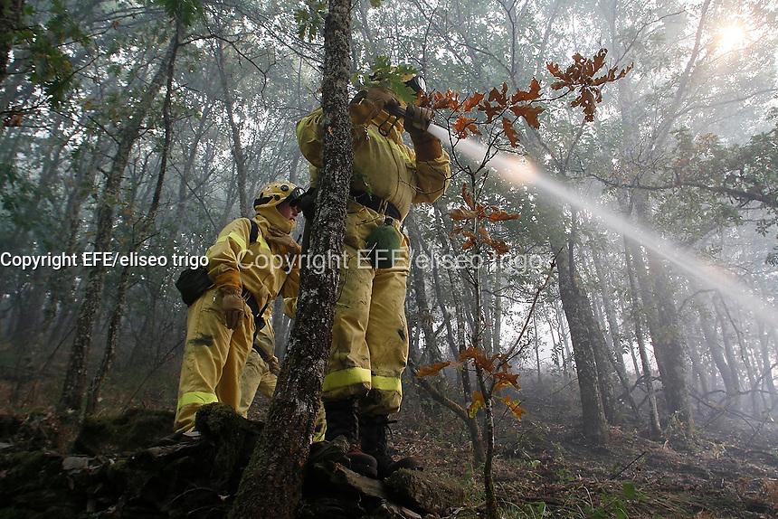 Fecha: 12-09-2013. (Lugo) Incendios en Galicia, En la imagen incendio declarado de nivel 1 en A Fonsagrada, (Lugo). Foto: EFE/eliseo trigo