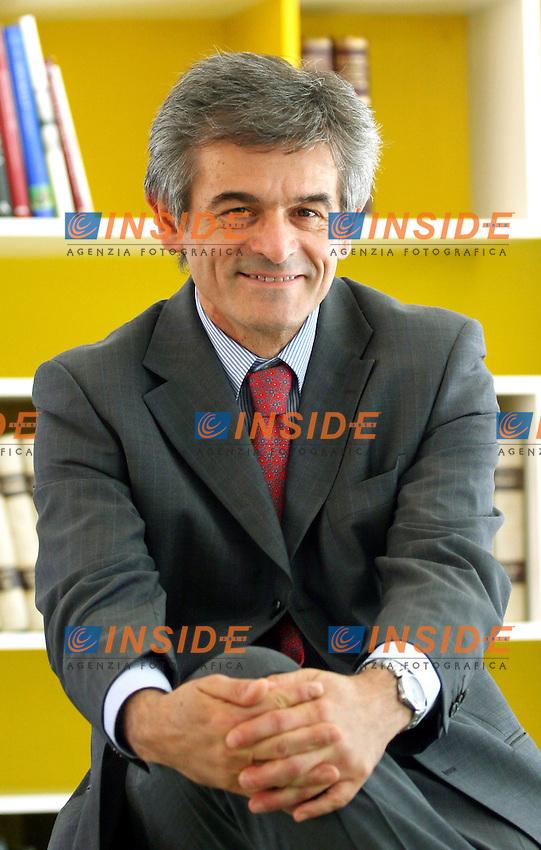 Roma 04-07-2006 Assemblea dal titolo:La costruzione del Partito Democratico<br /> Nella foto il sindaco di Torino Sergio Chiamparino<br /> Photo Serena Cremaschi Insidefoto