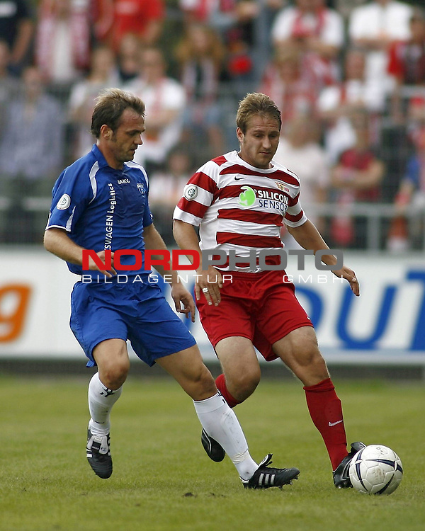 RLN 2007/2008 4. Spieltag Hinrunde<br /> BSV Kickers Emden - 1. FC Union Berlin<br /> Alexej Spasskov (Union#2) - Thorsten Nehrbauer (Kickers#5)<br /> <br /> Foto &copy; nph (  nordphoto  )<br /> <br /> <br /> <br />  *** Local Caption ***