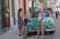Overhearing an argument, Centro Habana