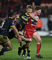 Picture by Anna Gowthorpe/SWpix.com - 02/02/2018 - Rugby League - Betfred Super League - Hull KR v Wakefield Trinity - KC Lightstream Stadium, Hull, England - Hull KR's Ryan Shaw is tackled by the Wakefield Trinity defence
