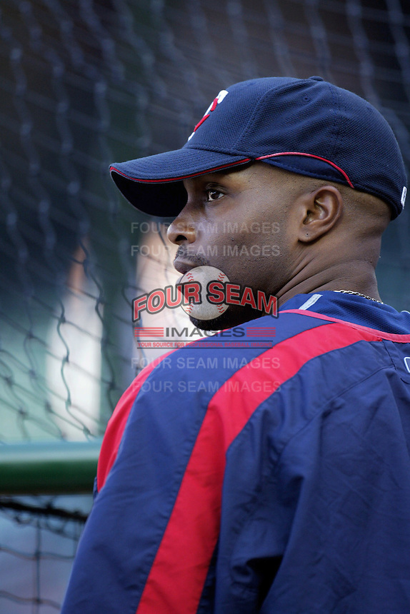 Torii Hunter of the Minnesota Twins during batting practice before a 2007 MLB season game against the Los Angeles Angels at Angel Stadium in Anaheim, California. (Larry Goren/Four Seam Images)