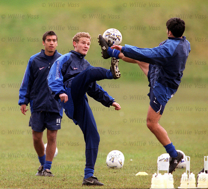 jonatan Johansson and Claudio Reyna at training