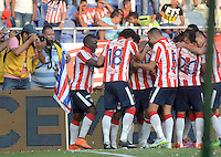BARRANQUIILLA -COLOMBIA-08-03-2015. Jugadores del Atlético Junior celebran un gol anotado a Uniautonoma durante partido por la fecha 8 de la Liga Águila I 2015 jugado en el estadio Metropolitano Roberto Meléndez de la ciudad de Barranquilla./ Players of Atletico Junior celebrate a goal scored to Uniautonoma during match for the 8th  date of the Aguila League I 2015 played at Metropolitano Roberto Melendez stadium in Barranquilla city.  Photo: VizzorImage/Alfonso Cervantes/STR