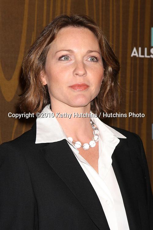 Kelli Williams.arriving at the 2010 Winter Fox TCA Party .Villa Sorisso Resturant.Pasadena, CA.January 11, 2010.©2010 Kathy Hutchins / Hutchins Photo....