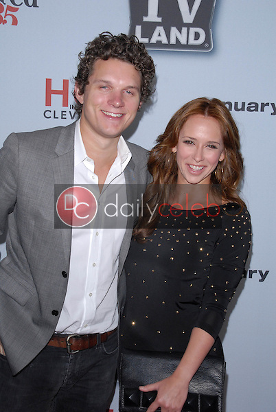 """Jamie Kennedy, Jennifer Love Hewitt<br /> at the """"Hot In Cleveland""""/""""Retired at 35"""" Premiere Party, Sunset Tower, West Hollywood, CA. 01-10-11<br /> David Edwards/DailyCeleb.com 818-249-4998"""
