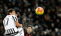 Calcio, Serie A: Juventus vs Milan. Torino, Juventus Stadium, 21 novembre 2015. <br /> Juventus&rsquo; Mario Mandzukic heads the ball during the Italian Serie A football match between Juventus and AC Milan at Turin's Juventus stadium, 21 November 2015. Juventus won 1-0.<br /> UPDATE IMAGES PRESS/Isabella Bonotto
