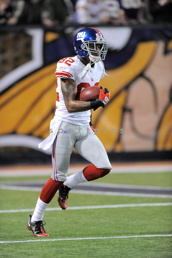 MARIO MANNINGHAM, of the New York Giants , in action during the Giants  game against the Minnesota Vikings on December 28, 2008 in Minneapolis, MN...Vikings win 20-19