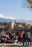 ESP, Spanien, Andalusien, Granada: Alhambra, Sierra Nevada, Aussichtspunkt Mirador de San Nicolás | ESP, Spain, Andalusia, Granada: Alhambra, Sierra Nevada, view point Mirador de San Nicolás