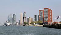 Nederland   Rotterdam 2017.  Hoogbouw in Rotterdam. Rechts Katendrecht, links de Wilhelminapier.   Foto Berlinda van Dam / Hollandse Hoogte