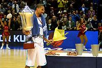 GRONINGEN - Basketbal, Donar - ZZ Leiden, Supersup, seizoen 2018-2019, 06-10-2018,  Donar speler Jason Dourisseau met de supercup
