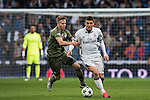 Mateo Kovacic (r) of Real Madrid battles for the ball with Michal Kopczynski of Legia Warszawa during the 2016-17 UEFA Champions League match between Real Madrid and Legia Warszawa at the Santiago Bernabeu Stadium on 18 October 2016 in Madrid, Spain. Photo by Diego Gonzalez Souto / Power Sport Images