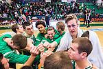 S&ouml;dert&auml;lje 2015-10-20 Basket Basketligan S&ouml;dert&auml;lje Kings - Bor&aring;s Basket :  <br /> S&ouml;dert&auml;lje Kings Nicholas Nick Spires jublar i en ring efter matchen mellan S&ouml;dert&auml;lje Kings och Bor&aring;s Basket <br /> (Foto: Kenta J&ouml;nsson) Nyckelord:  S&ouml;dert&auml;lje Kings SBBK T&auml;ljehallen Bor&aring;s Basket jubel gl&auml;dje lycka glad happy