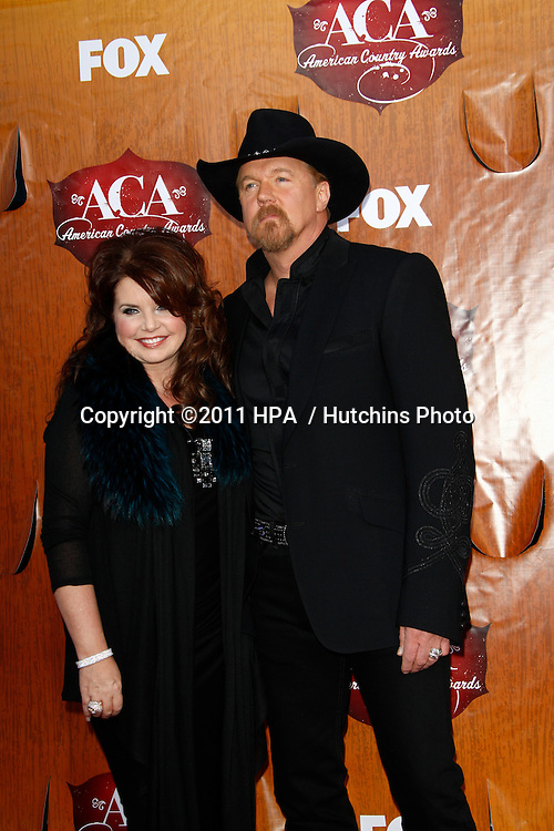 LOS ANGELES - DEC 5:  Trace Adkins arrives at the American Country Awards 2011 at MGM Grand Garden Arena on December 5, 2011 in Las Vegas, NV