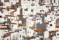 Spanien, Andalusien, Provinz Málaga, Costa del Sol, Casares: weisses Dorf am Fusse der Sierra Bermeja   Spain, Andalusia, Costa del Sol, Casares: pueblo blanco at Sierra Bermeja mountains