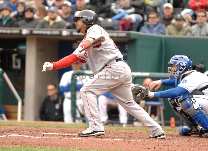 MANNY RAMIREZ, of the Boston Red Sox during their game against the  Kansas City Royals, on April 5, 2007 in Kansas City, Missouri. ..Red Sox  win 4-1....DAVID DUROCHIK / SPORTPICS