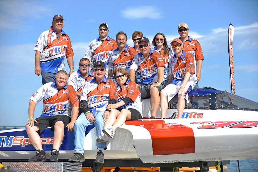 "Team Photo, GP-35 ""TM Special""          (Grand Prix Hydroplane(s)"
