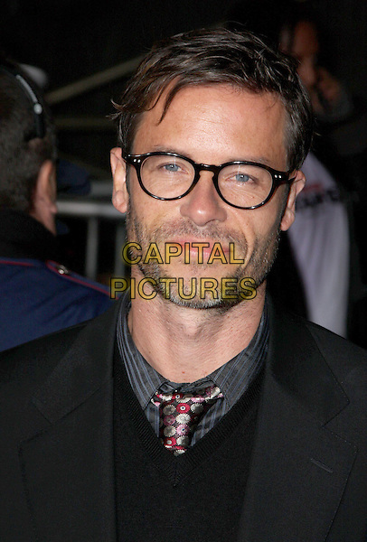 """GUY PEARCE .""""Bedtime Stories"""" Los Angeles Premiere held at the El Capitan Theatre, Hollywood, California, USA..December 18th, 2008.headshot portrait black glasses stubble facial hair .CAP/ADM/CH.©Charles Harris/AdMedia/Capital Pictures"""