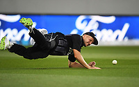 Seth Rance misses a chance to dismiss Babar Azam.<br /> Pakistan tour of New Zealand. T20 Series.2nd Twenty20 international cricket match, Eden Park, Auckland, New Zealand. Thursday 25 January 2018. &copy; Copyright Photo: Andrew Cornaga / www.Photosport.nz