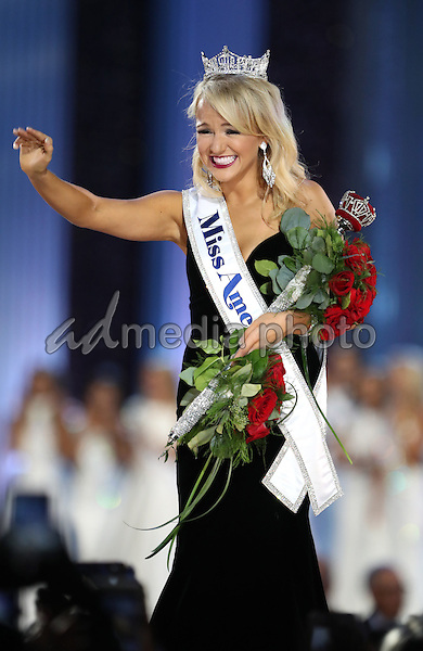 11 September 2016 - Atlantic City, New Jersey - 2017 Miss America Savvy Shields.  Miss Arkansas Savvy Shields is named 2017 Miss America at Boardwalk Hall.  Photo Credit: MJT/AdMedia