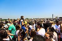 SAO PAULO, SP, 28.09.2013 - FESTIVAL DAS CORES - Participantes do Festival das Cores<br />  no Parque Villa Lobos na regiao oeste de Sao Paulo na manha deste sabado. O evento celebra a chega da primavera. (Foto: William Volcov / Brazil Photo Press).