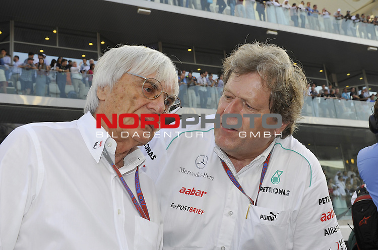 01.-04.11.2012, Yas-Marina-Circuit, Abu Dhabi, UAE, Grosser Preis von Abu Dhabi, im Bild Bernie Ecclestone (GBR) - Norbert Haug (GER), Mercedes, Motorsport chief <br />  Foto &copy; nph / Mathis