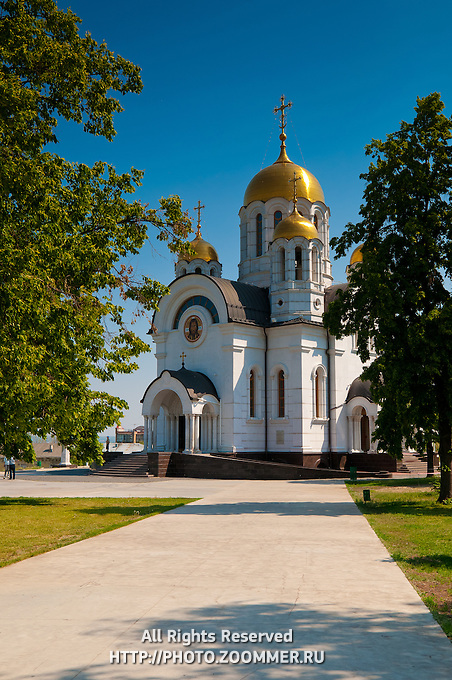 Path to St George the Victorous church in Samara city (Russia)