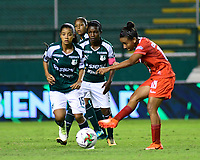 PALMIRA - COLOMBIA, 03-08-2019: Angie Cano del Cali disputa el balón con Wendy Bonilla de Cortulua durante partido entre Deportivo Cali y Cortuluá por la fecha 4 de la Liga Femenina Águila 2019 jugado en el estadio Deportivo Cali de la ciudad de Palmira. / Angie Cano of Cali vies for the ball with Wendy Bonilla of Cortulua during match between Deportivo Cali and Cortulua for the date 4 as part Aguila Women League 2019 played at Deportivo Cali stadium in Palmira city. Photo: VizzorImage / Nelson Rios / Cont
