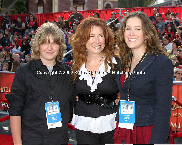 """Mary McDonnell & Children.""""Pirates of the Caribbean: At World's End"""" Premiere.Disneyland.Anaheim, CA.May 19, 2007.©2007 Kathy Hutchins / Hutchins Photo...."""