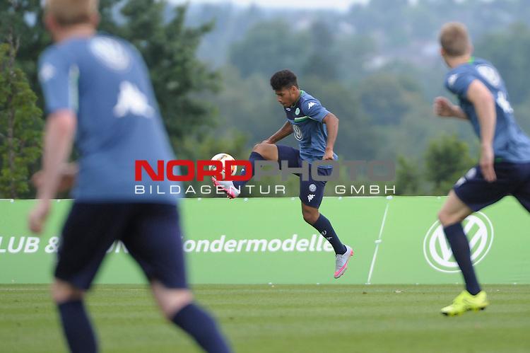 19.07.2015, Trainingsplatz &Ouml;schberghof, Donaueschingen, GER, Trainingslager VfL Wolfsburg Tag 2, im Bild Onel Hernandez<br /> <br /> <br /> Foto &copy; nordphoto / Zwick