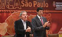 SAO PAULO, SP, 27 MAIO 2013 - LULA DIA DA AFRICA - Luiz Inacio Lula da Silva ex presidente da Republica e o prefeito Fernando Haddad durante evento D'África-São Paulo, que celebra o Dia da África na sede da prefeitura de Sao Paulo na regiao central da cidade nesta segunda-feira, 27. FOTO: VANESSA CARVALHO - BRAZIL PHOTO PRESS.