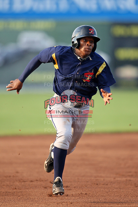State College Spikes shortstop Gift Ngoepe (28) during a game vs. the Batavia Muckdogs at Dwyer Stadium in Batavia, New York June 26, 2010.   State College defeated Batavia 9-8.  Photo By Mike Janes/Four Seam Images